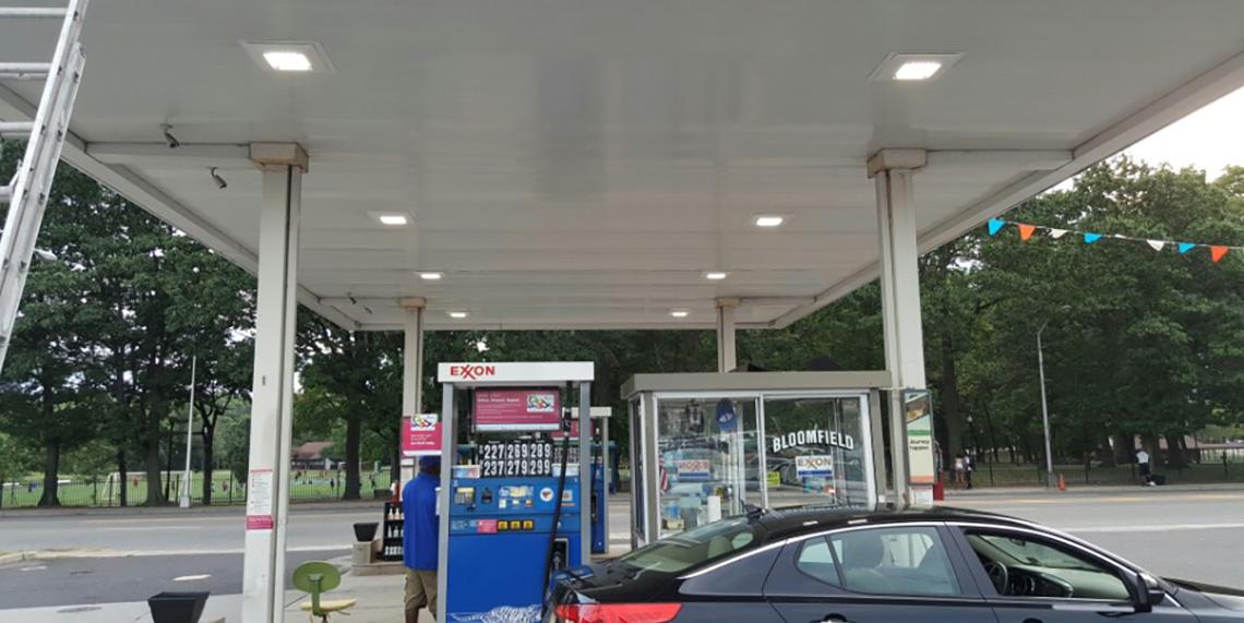 Exxon.  Gas. Station. 491.  Bloomfield. Ave. bloomfield. NJ 2
