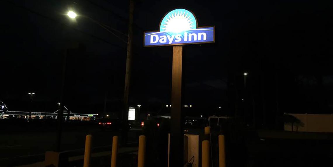 cash jap Days Inn 1